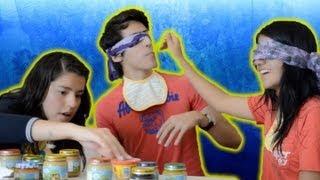 getlinkyoutube.com-Reto de la comida de bebé sin mirar | Blind baby food challenge | Platica Polinesia