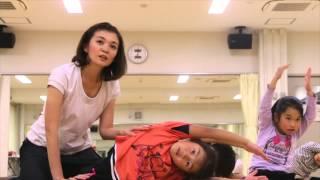 getlinkyoutube.com-スクール Rapora (ラポラ)  キッズ・チアダンスのレッスン風景