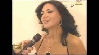 فضيحة رانيا يوسف - ثديها يخرج من الفستان