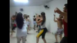 getlinkyoutube.com-Dança aeróbica com Professor Davis Rodrigo dançando