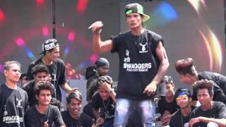 getlinkyoutube.com-HIP-HOP worlds Best Dance performed by SURAT(Guj.)Dancers | Holi event 2016 | The Swagger group.