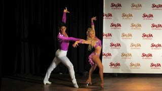getlinkyoutube.com-Argentina Salsa Open 2013 ~ Show de la Elimin. Mendoza ~ Karen Forcano & Ricardo Vega (salsa)