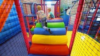 getlinkyoutube.com-Indoor Playground Fun for Kids at Stella's Lekland (like Busfabriken)