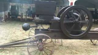 getlinkyoutube.com-Bump starting 12 Hp Waterloo Boy pre John Deere Antique Hit And Miss Gasoline Engine