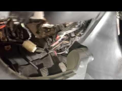 Замена главного цилиндра сцепления Toyota Corolla./ Clutch Master Cylinder Replacement