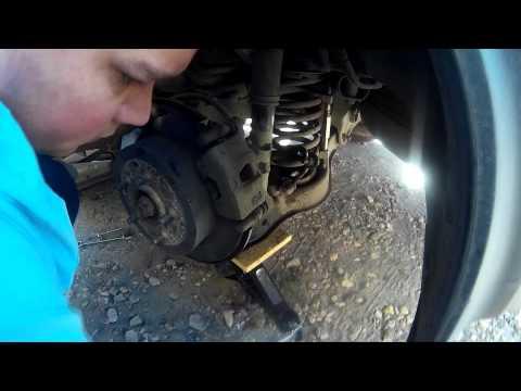 Замена  задних стоек и пружин на мицубиси аутлендер