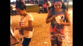 getlinkyoutube.com-امينة كرم تأكل الفشار في الشارع