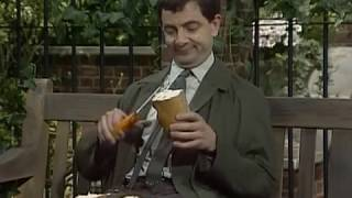 getlinkyoutube.com-Mr Bean - Sandwich making -- Mr Bean - Stulle schmieren