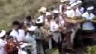 getlinkyoutube.com-Kain Putih Mengitari Gunung Batur