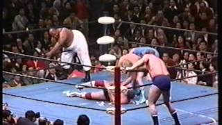 getlinkyoutube.com-Terry Funk and Dory Funk Jr. vs. Abdullah the Butcher and The Shiek AJPW 1977