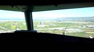 getlinkyoutube.com-*Cockpit View* Aegean 110 - Landing in Thessaloniki