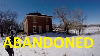 Abandoned house/farm hunting and haunting Day 2