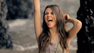 Victoria Justice - Beggin' On Your Knees