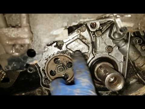 Где в Lancia Дедра находится сальник распредвала
