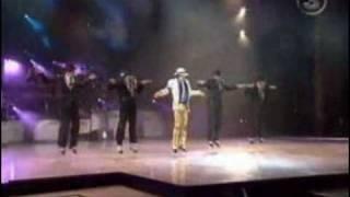 getlinkyoutube.com-Mickael Jackson - Smooth criminal (Live)