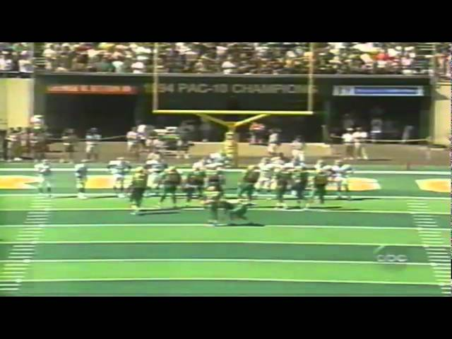 Oregon RB Reuben Droughns 1st TD as a Duck scores on 9 yard screen pass vs. MSU 9-08-98