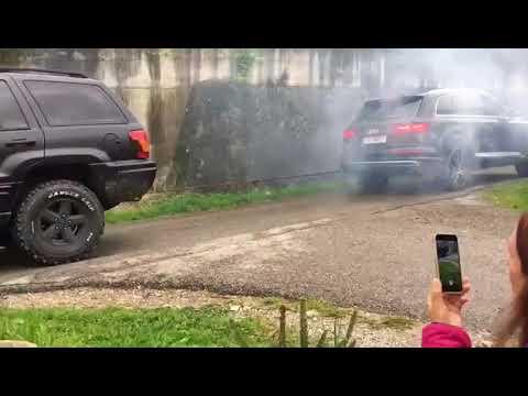 Audi vs jeep