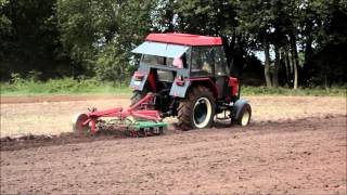 getlinkyoutube.com-Zetor 5211 - orka siewna 2015