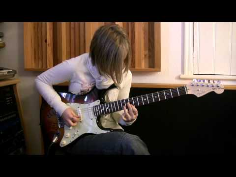 16 year old girl Guitarist JESS LEWIS plays incredible version of 'Feeling Fine' by Alex Hutchings