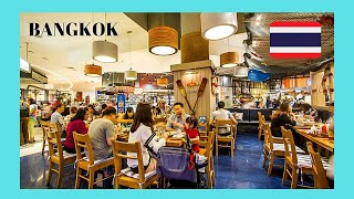 BANGKOK, the crowded, chaotic and stressful food court, the SIAM PARAGON shopping mall