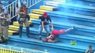 getlinkyoutube.com-Brazil League Soccer Match Halted By Fan Violence