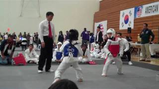 getlinkyoutube.com-9 Year Old Kid Sparring Tournament