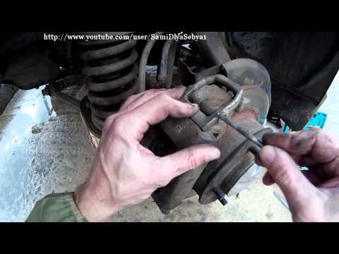 Замена передних тормозных колодок НИВА Сами меняем тормозные колодки НИВЫ