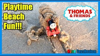 getlinkyoutube.com-THOMAS AND FRIENDS Playtime at the Beach Thomas the Tank Engine James Surprise Toys Ryan ToysReview