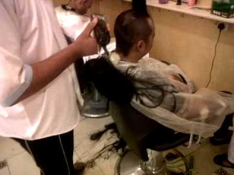 The Miracle of Umra, Cukur Rambut Setelah 30 tahun Slalu Berambut Panjang