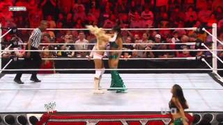 getlinkyoutube.com-WWE Raw 29/o8/11 Kelly Kelly w/ Eve vs Brie Bella/ Nikki Bella