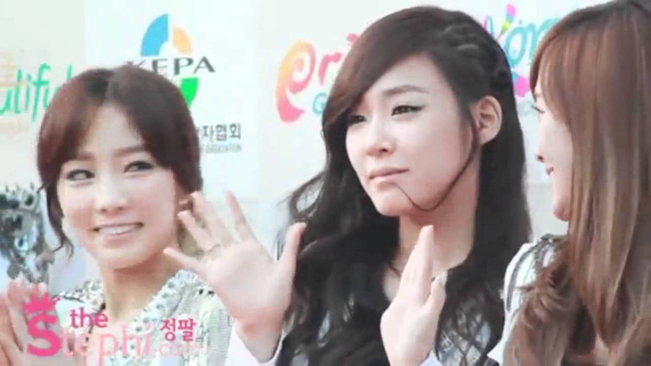 Taeyeon SNSD jealous ketika Jessica SNSD deket2 sm Tiffany SNSD..WOW,TaeNy is Real! Wownya Bro :o