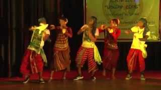 getlinkyoutube.com-S4 performing Chapol Chapol Dance 1st time in Kolkata