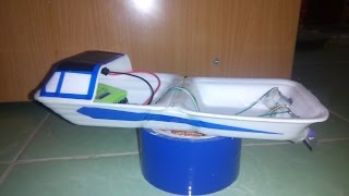 getlinkyoutube.com-[Tutorial] How to make 2 engine RC boat from food containers