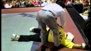 getlinkyoutube.com-Anthony Price vs James Hobby at the 1995 Bluegrass Nationals Karate Tournament