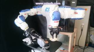 getlinkyoutube.com-Yaskawa Motoman Dual Arm Robot cooking an Egg Sandwich