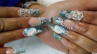 Uñas Acrílicas color Azul Aqua con gota de arte y pedreria / Bling bling nails