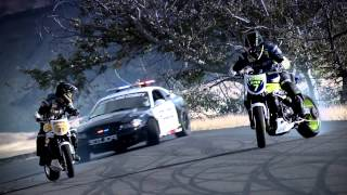 getlinkyoutube.com-Motos vs Policia HD