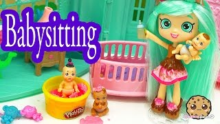 getlinkyoutube.com-Peppa Mint Shopkins Shoppies Doll Babysits 3 Baby with Color Change Diapers - Cookieswirlc Video