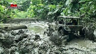 getlinkyoutube.com-Mudding! Mud SPA! 10 trucks getting stuck in the mud soup! Trail finder 2 Jeep RC offroad adventures