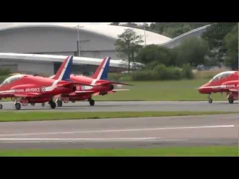 RAF Red Arrows Full Flight Display - Farnborough International Airshow 2012