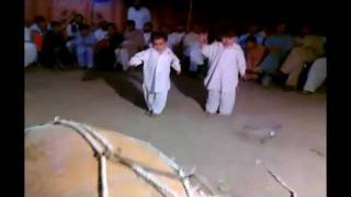 getlinkyoutube.com-Mianwali Kids dance pe dance.flv