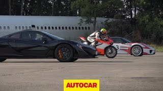 getlinkyoutube.com-McLaren P1 vs. Porsche 918 Spyder vs. Ducati 1199 Superleggera - drag race