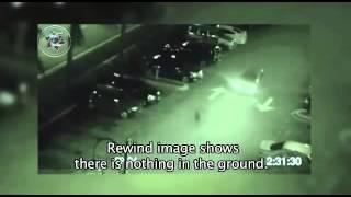 getlinkyoutube.com-駐車場の監視カメラに映った間抜けなエイリアンが車に轢かれる瞬間