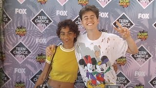 getlinkyoutube.com-Nash Grier & Taylor Giavasis Teen Choice Awards 2016 Green Carpet