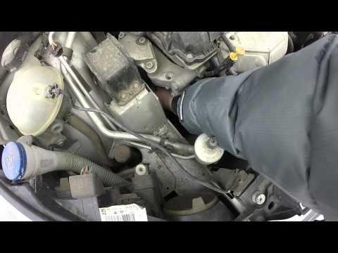 Замена ремня генератора Пежо 308 (Peugeot 308 EP6 120 HP)