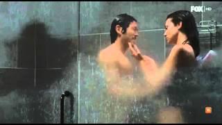 getlinkyoutube.com-TWD 6x15 maggie y glenn en la ducha