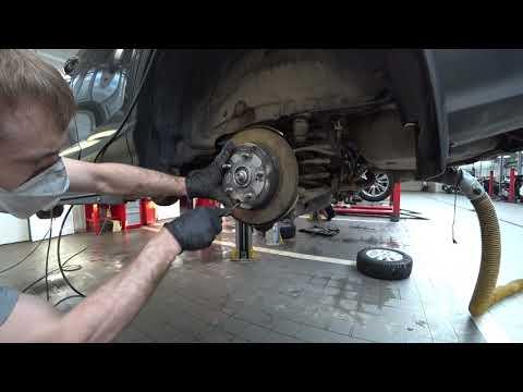 RAV-4. Обслуживание механизмов ручного тормоза.