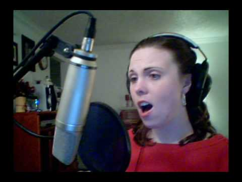 Laura sings the Diva Dance from the Fifth Element