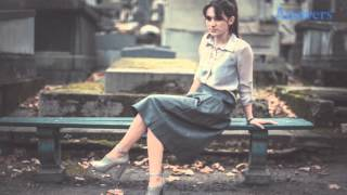 getlinkyoutube.com-Things Women Secretly Think While Wearing Skirts