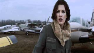 getlinkyoutube.com-Resident Evil Afterlife Alice Vs. Claire Redfield
